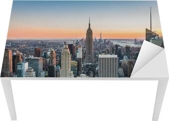 Vinilo para Mesa y Escritorio Horizonte de Nueva York al atardecer