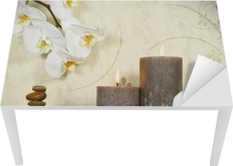 Vinilo para Mesa y Escritorio Orchidee weiß mit Bambus und Kerzen und Steinen