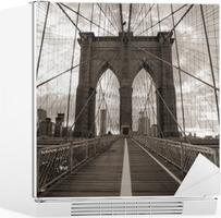 Vinilo para Nevera Puente de Brooklyn en Nueva York. Tono sepia.