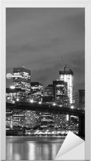 Vinilo para Puerta Puente de Brooklyn y Manhattan horizonte en la noche, New York City