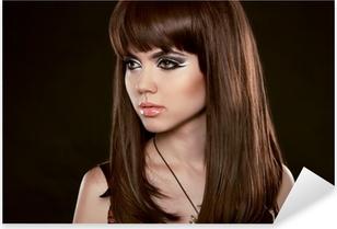 26da3e3e12 Vinilo Pixerstick Peinado. Hermosa mujer con cabello castaño largo  saludable. Isola