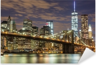 Vinilo Pixerstick Puente de Brooklyn y los rascacielos del centro de Nueva York en la oscuridad