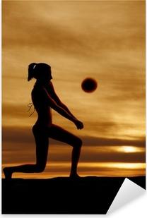 Vinilo Pixerstick Silueta de la mujer que pasa voleibol de la puesta del sol