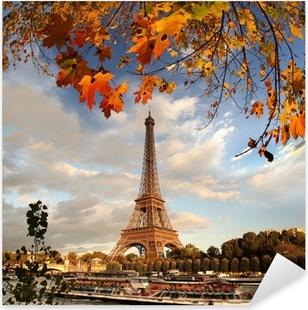 Vinilo Pixerstick Torre Eiffel con las hojas de otoño en París, Francia