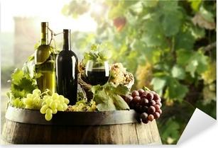 Vinilo Pixerstick Vino con el barril y el viñedo