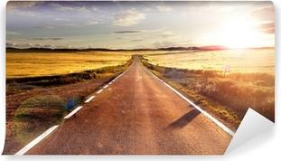 Aventuras y viajes por carretera.Carretera y campos Washable Wall Mural
