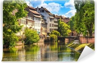 Yıkanabilir Duvar Resmi Strazburg, Petite France, Unesco sitesinde su kanalı. Alsace.