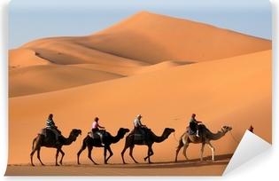 Zelfklevend Fotobehang Camel Caravan in de Sahara woestijn