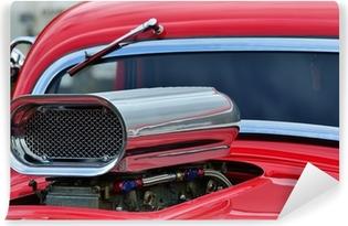 Zelfklevend Fotobehang Detail van de luchtinlaat en voorruit op aangepaste auto