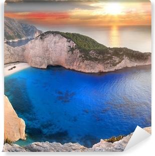 Zelfklevend Fotobehang Navagio Beach met schipbreuk in Zakynthos, Griekenland