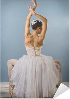 Zelfklevende Poster Gracieuze ballerina achteraanzicht