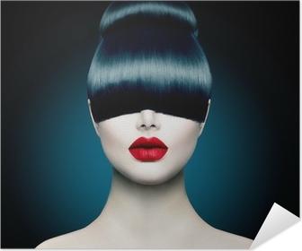 Zelfklevende Poster Hoge Portret Fashion Model Meisje met Trendy Fringe