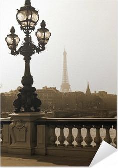 Zelfklevende Poster Lantaarnpaal op de brug van Alexandre III in Parijs, Frankrijk
