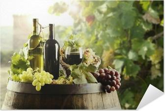 Zelfklevende Poster Wijn met vat en wijngaard
