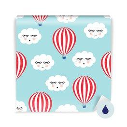 Carta da Parati per i più piccoli - Sorridenti nubi addormentate e palloncini d'aria calda