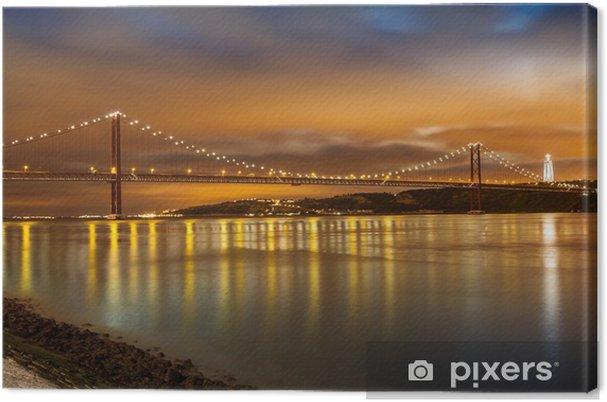 Canvas 25 de Abril brug over de rivier de Taag in Lissabon bij nacht - Thema's