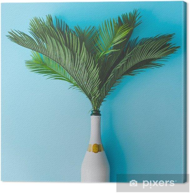 Canvas Champagnefles met tropische groene palmbladen op pastel blauwe achtergrond. zomervakantie concept met creatieve kopie ruimte. zomer tropisch feestfeest plat leggen. - Levensstijl