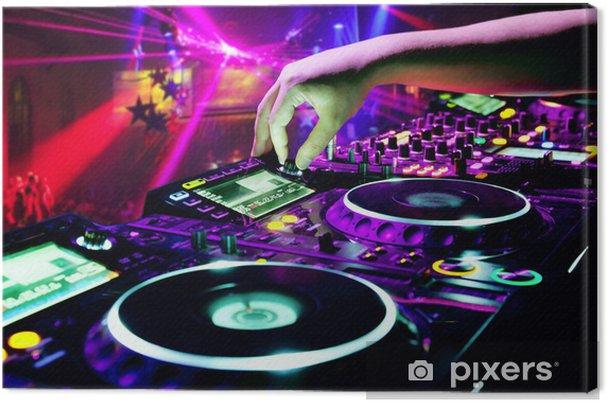 Canvas DJ mengt het spoor -