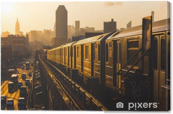 Canvas Een metro in New York bij zonsopgang - Stijlen