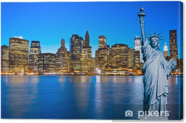 Canvas Horizon van Manhattan en het Vrijheidsbeeld bij nacht, New York C - New York