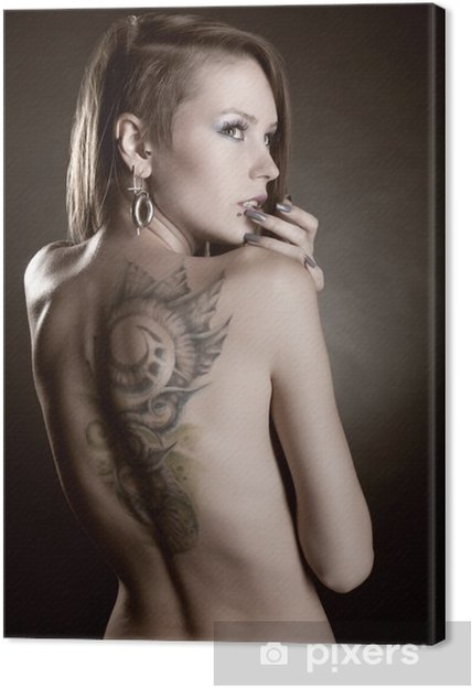 Canvas Meisje met tatoeages en piercings - Tattoos