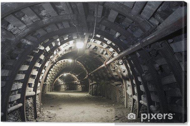 Canvas Ondergrondse tunnel in de kolenmijn -