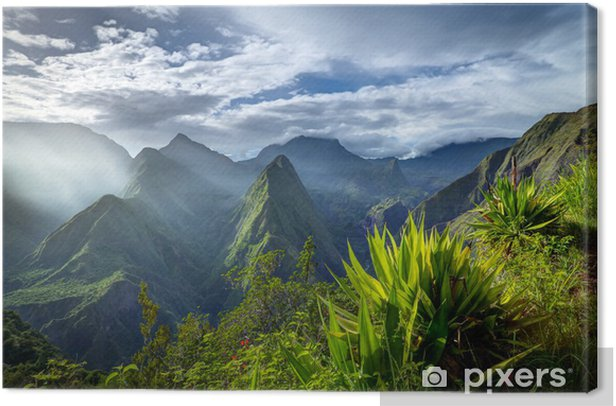 Lever de soleil sur le cirque de Mafate - Réunion Canvas Print -
