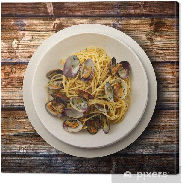 spaghetti alle vongole su fondo di legno Canvas Print - Themes
