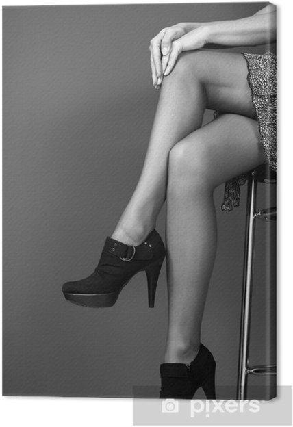 Canvastavla Kvinna ben med höga klackar. • Pixers® - Vi lever för ... 5c90077e90b2d
