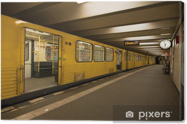 Canvastavla U-Bahn station - Berlin