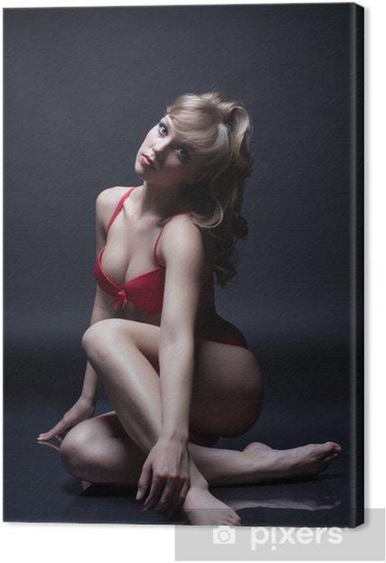 fdd26b2bf8 Cuadro en Lienzo Atractiva morena posando en ropa interior roja ...