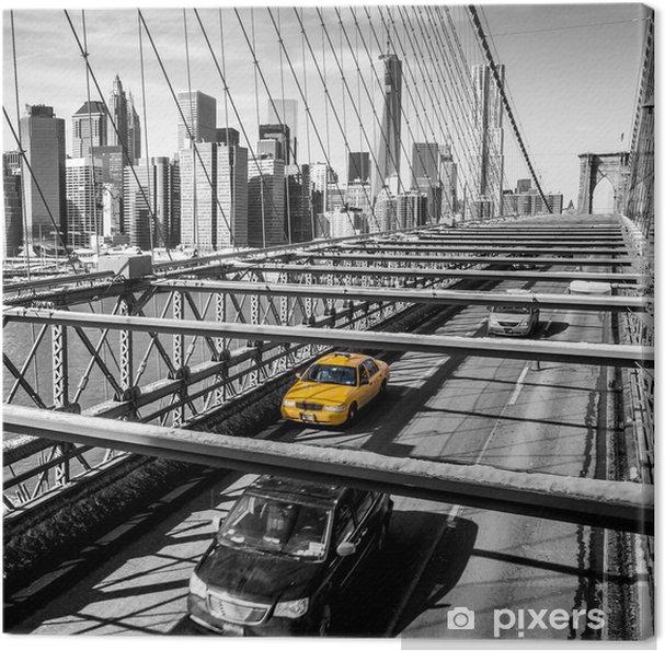 Cuadro en Lienzo Casilla de taxi de cruzar el puente de Brooklyn en Nueva York -