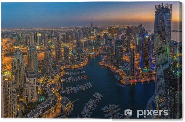 Cuadro en Lienzo DUBAI, UAE - 13 de octubre: Edificios modernos en Dubai Marina, Dubai - Temas