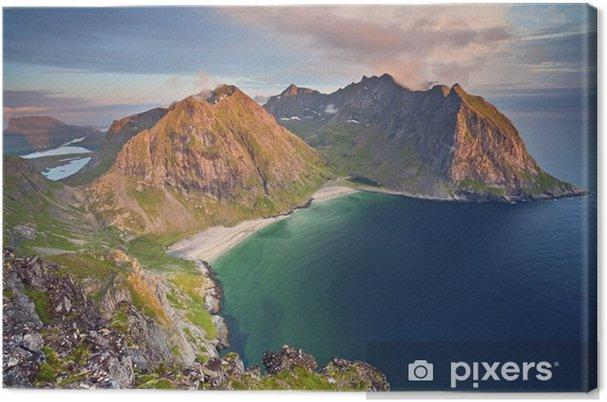 Cuadro en Lienzo Islas Lofoten. Imagen de Kvalvika playa tomada desde el monte Ryten durante el atardecer. - Paisajes