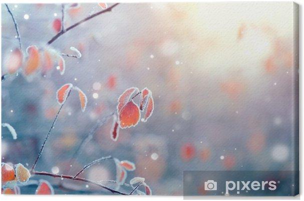 Cuadro en Lienzo La naturaleza de fondo de invierno. Ramificación congelada con hojas de cerca - Paisajes