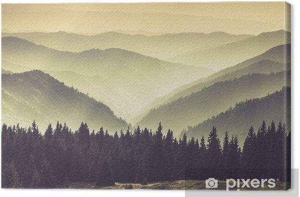 Cuadro en Lienzo Paisaje de colinas brumosas montañas. - Paisajes