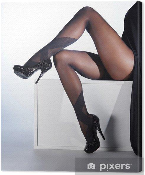 1f9896522 Cuadro en Lienzo Piernas femeninas atractivas en medias eróticas negro y  tacones altos