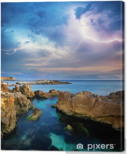 Cuadro en Lienzo Rocas y tormenta de mar. - Estaciones