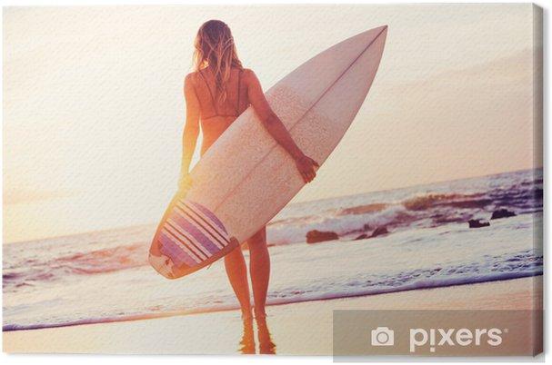 Cuadro en Lienzo Surfer Girl en la playa al atardecer - Salud