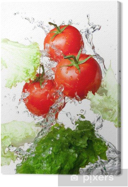 Cuadro en Lienzo Tres tomates frescos rojos y lechuga en agua splash aislado en - Temas