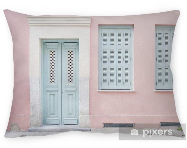 Decoratief sierkussen Pastelroze gebouw en lichtblauwe deuropening omringd door marmer in Athene, Griekenland - Gebouwen en Architectuur