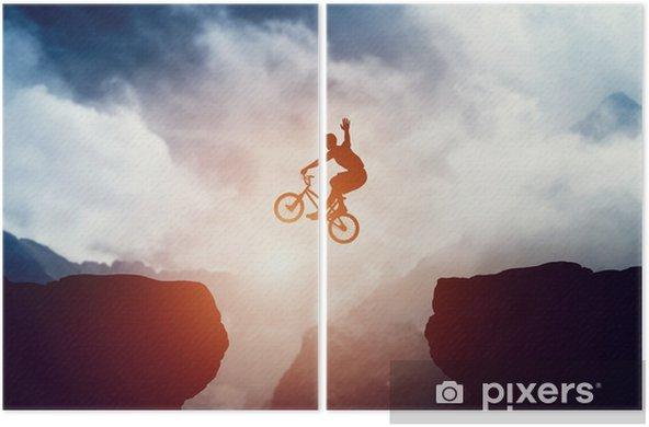Diptych Muž skákat na bmx kolo přes sráz v horách při západu slunce. - Sport
