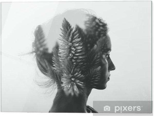 Glastavla Kreativa dubbel exponering med porträtt av ung flicka och blommor, svartvitt - Människor