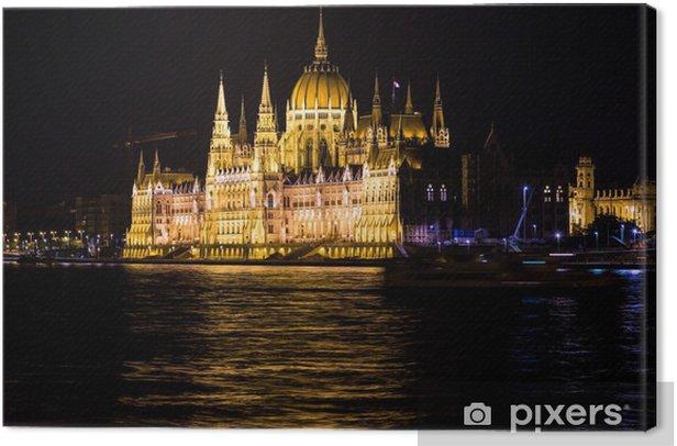 Budapest parlamentti rakennus unkarissa hämärässä. Kangaskuva - Eurooppa