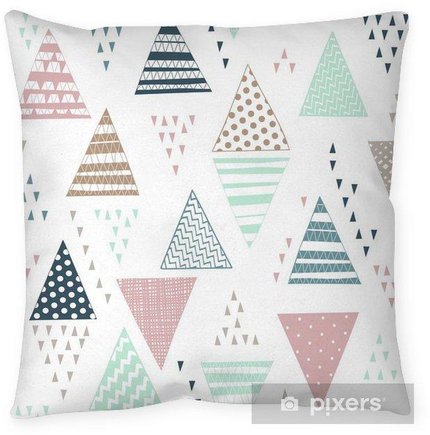 Kussensloop Naadloos patroon met decoratieve hand getekende driehoeken. - Grafische Bronnen