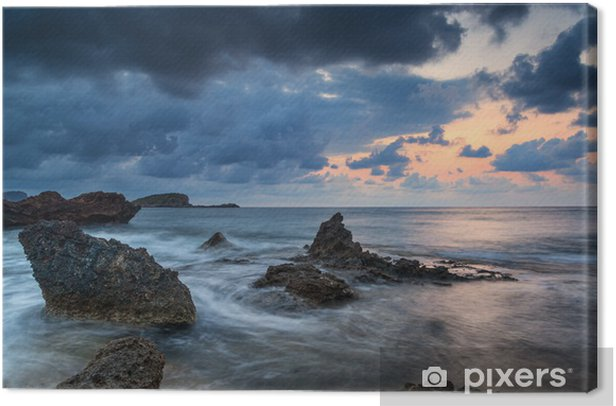 Leinwandbild Atemberaubende landscapedawn Sonnenaufgang mit Felsenküste und lange exp - Himmel