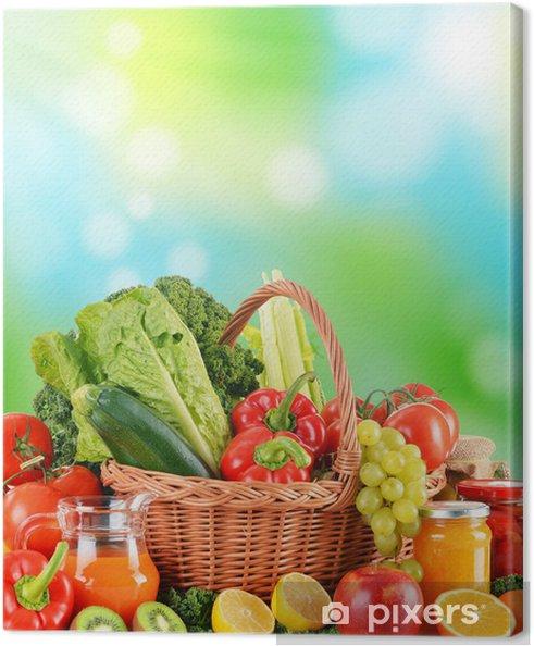 Leinwandbild Ausgewogene Ernährung, basierend auf rohen Bio-Gemüse - Gemüse