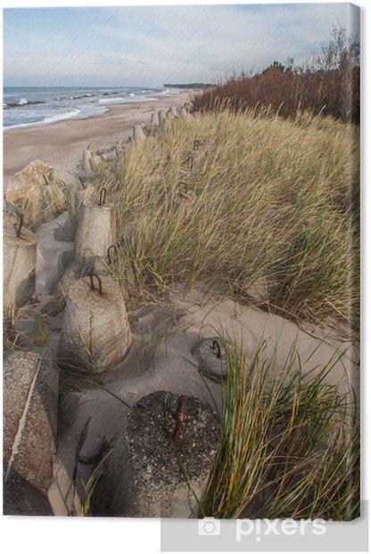 Leinwandbild Betonbrocken an der Nordküste von Polen - Europa
