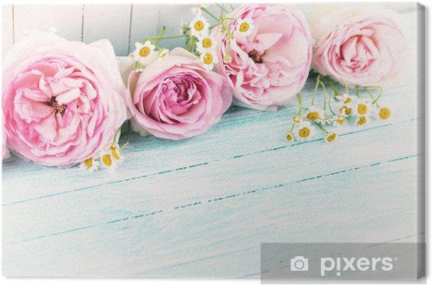 Leinwandbild Blumen auf Holzuntergrund - Stile