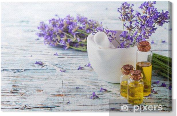 Leinwandbild Frische Lavendel auf Holz - Blumen